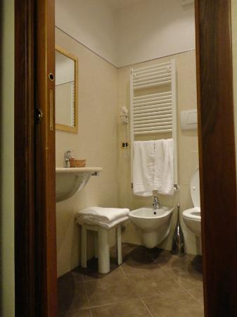Hotel Hesperia: Il bagno