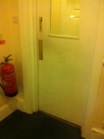 Arran House Hotel: door through to rooms