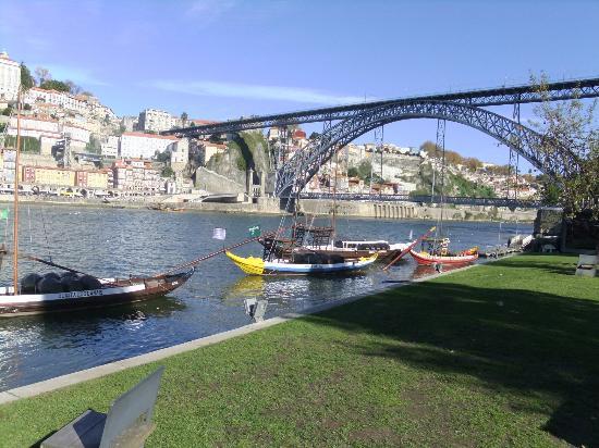 Porto, Portugal: Pont créée par G. Eiffel Ponte Luiz 1