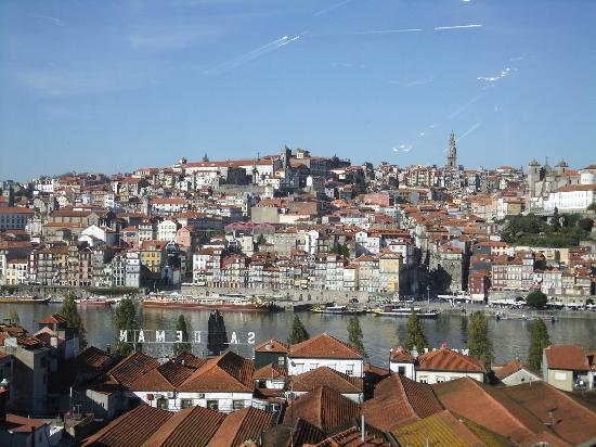Oporto, Portugal: Vue de la rive droite