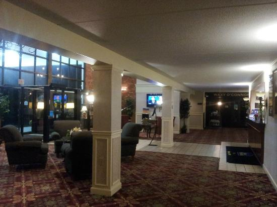 BEST WESTERN PLUS Sovereign Hotel: Lobby