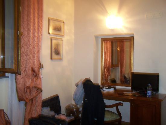 Domus Florentiae Hotel: ancora la nostra stanza