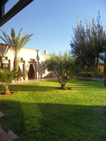 Villa 55: Une partie des jardins
