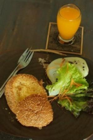 Room@Bali Hip Suite: breakfast toasted egg in bread