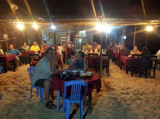 Hieu's Family Restaurant: vista dalla spiaggia