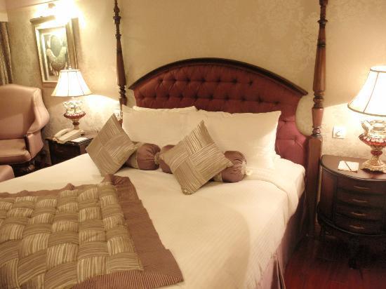 Hotel Tuli International : The Cosy Bed