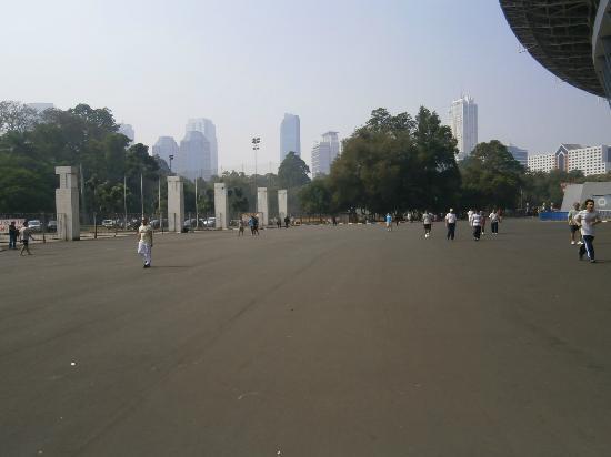 Gelora Bung Karno Stadium: Jogging area