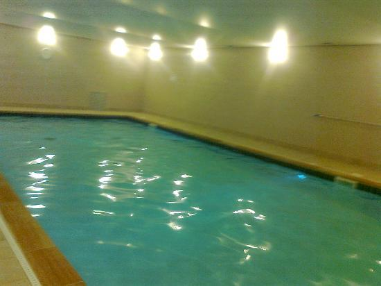 Restormel Manor & Cottages: The heated indoor swimming pool without horrible chlorine smell!