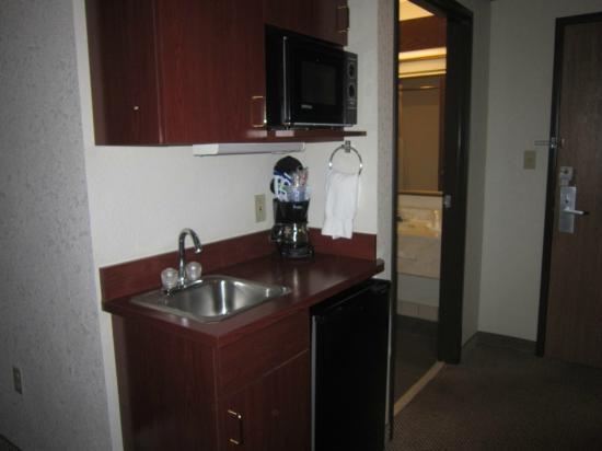 Holiday Inn Express North Platte: Micro and fridge