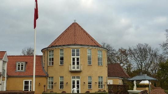 Hotel Fakkelgaarden : View from the garden