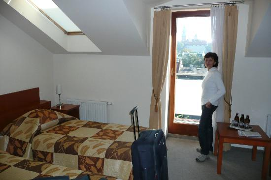 Benefis: Room with balcony and view to Wawel Royal Castle