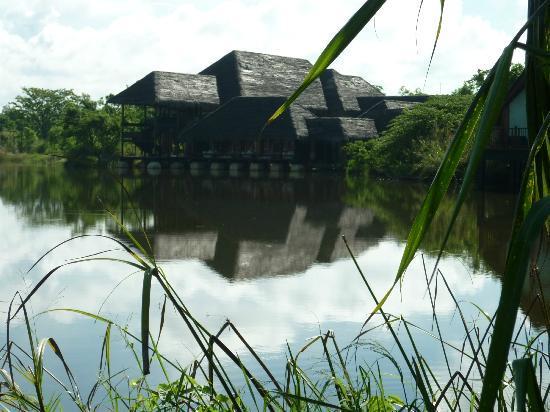 Jetwing Vil Uyana: Water Villas