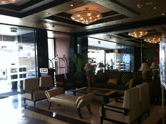Century Hotel : lobby