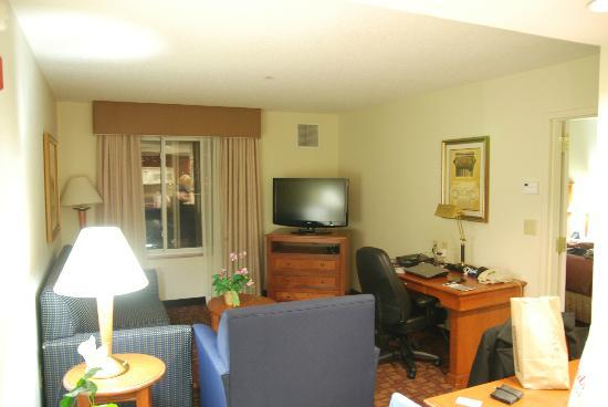 Homewood Suites by Hilton Edgewater - NYC Area: Living room