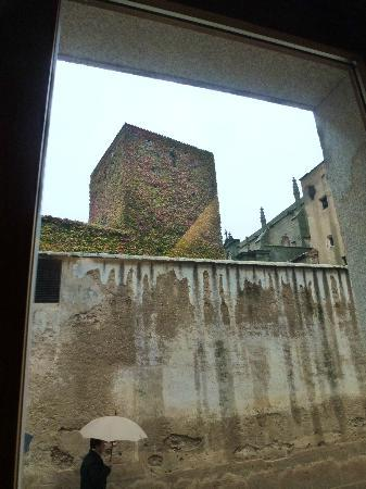 Atrio Restaurante Hotel Relais & Chateaux: Clever place to put a window