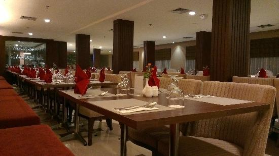 Aston Tanjung Pinang Hotel and Conference Center: Dining Area