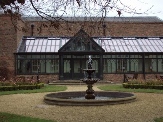 Gisborough Hall Hotel: Conservatory