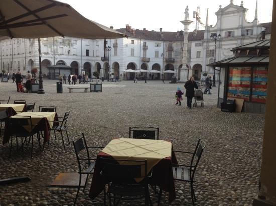Piazza SS Annunziata dal Ristorante il Bergamotto