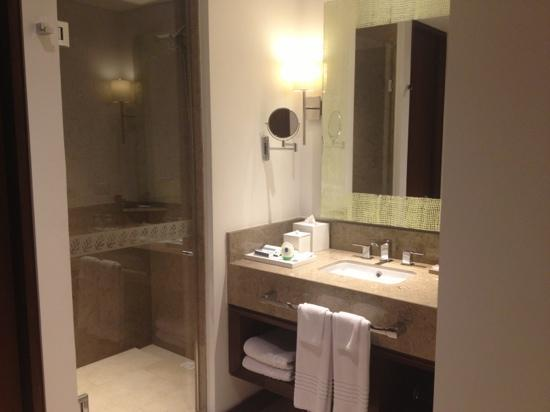 Movich Hotel Chico 97: Baños increíbles!