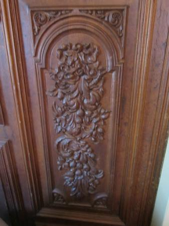 El Balcon Hostal Turistico: wooden carvings El Balcon