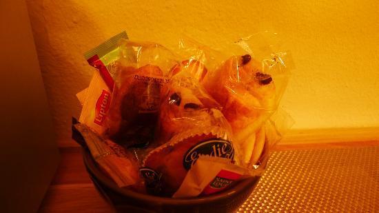 Aux Cles de Lune: nourriture pour petit déjeuner