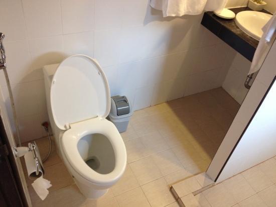 Seabreeze Hotel Kohchang: toilet