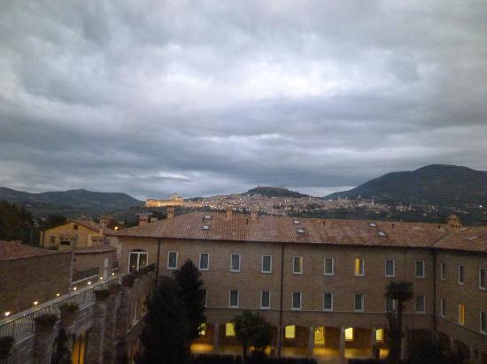 Assisi vista dalla camera al terzo piano dell'hotel Cenacolo
