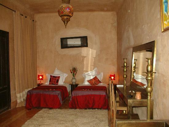 Our room at Kasbah Omar was nicely decorated and big. Even the bathroom was charming!