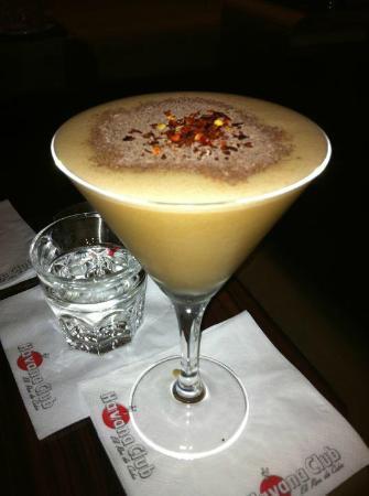 Saphire Bar & Lounge
