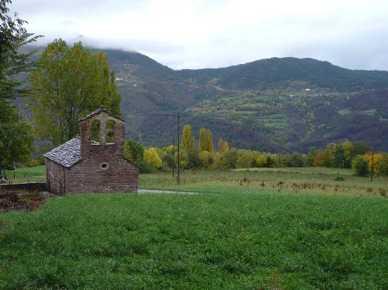 Casa Perich: Ermita y paisaje