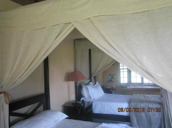 Inyati Game Lodge: Room interior