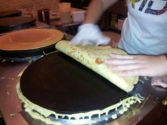 Haris Creperie : very goodddd best