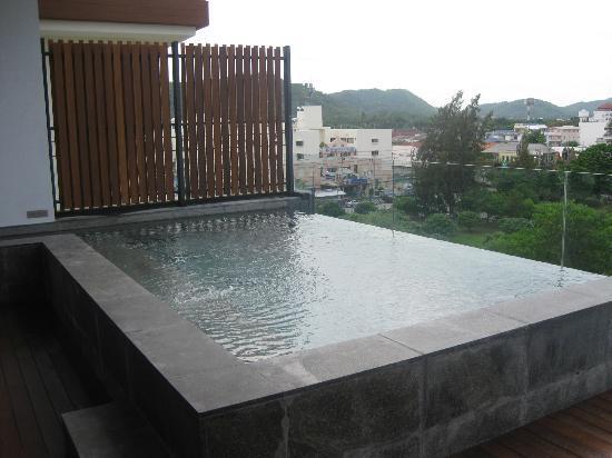 Cape Nidhra Hotel: priv. Pool auf der Terrasse