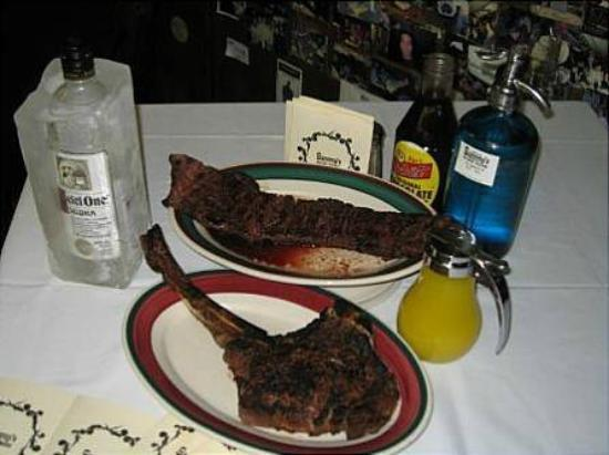 Photo of Steakhouse Sammy's Roumanian Style Restaurant at 157 Chrystie St, New York, NY 10002, United States