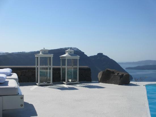 Aenaon Villas: Autour le la piscine