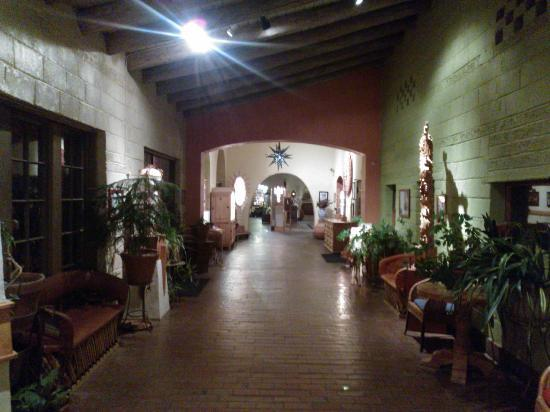 La Posada Hotel: Un corridoio