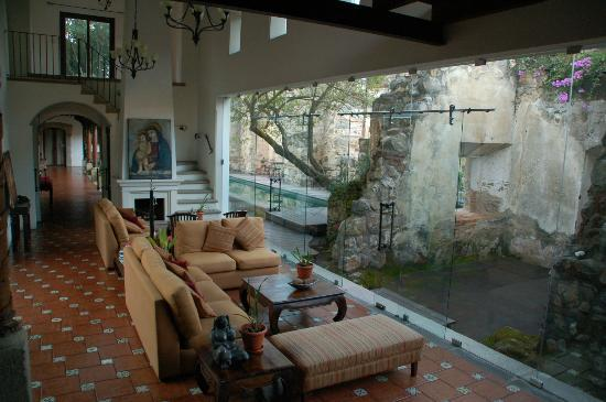 Hotel Cirilo: Common Area