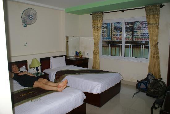 DMZ Hotel : chambre