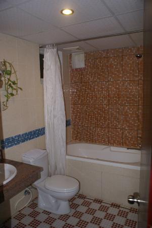 DMZ Hotel : salle de bain
