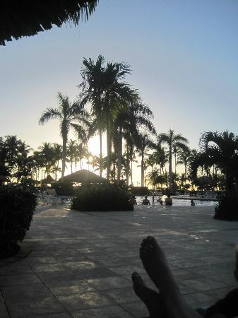 Grand Bahia Principe La Romana: sunset at the pool