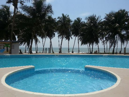 Blue Diamond Beach Spa Resort: Our Pool