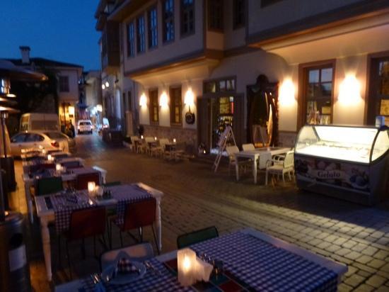 Puding Marina Residence: terrasse du restaurant