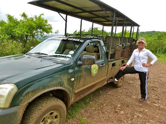 Zulu Nyala Game Lodge: Our trusty game drive vehicle