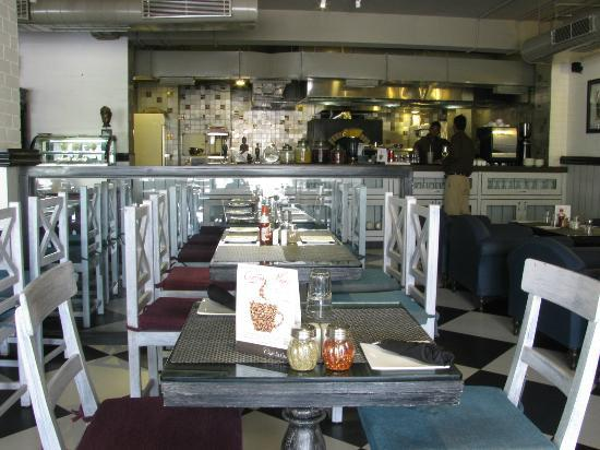 Cafe Elchico: View of our Open Kitchen from the Restaurant