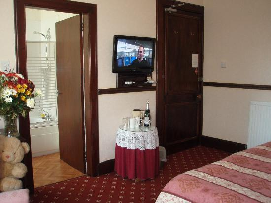Columba House Hotel: Twin room