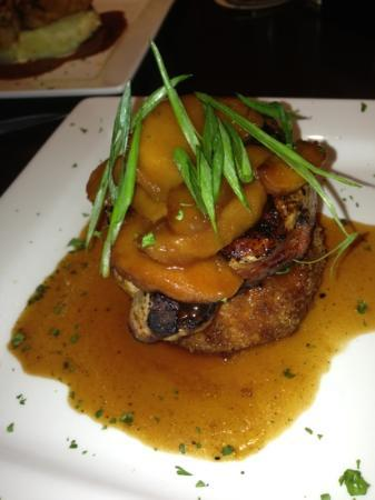 J's Pub and Grill: Whiskey Piggy