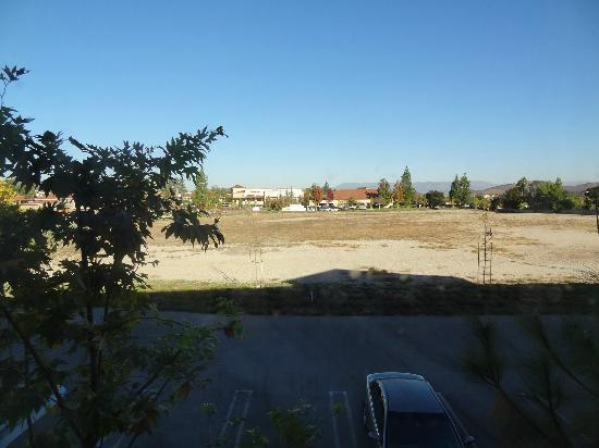 Hampton Inn & Suites Thousand Oaks: View from room #201