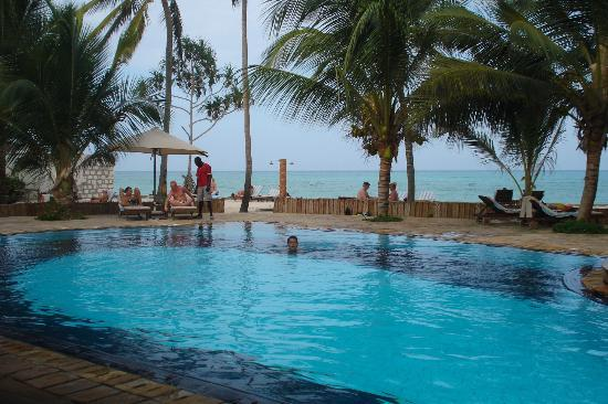 Sultan Sands Island Resort: piscina