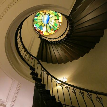 Oud Huis De Peellaert: Amazing Spiral Staircase