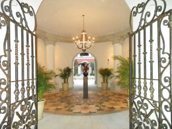 Rosewood San Miguel de Allende: Entry gates OCT2012
